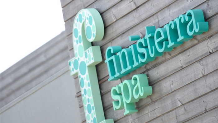 A sign reading 'Finisterra Spa'.